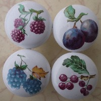Cabinet knobs w/4 Fruit